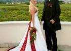 Brautpaar-in-den-niederoesterreichischen-Weinbergen