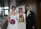Dr.-Albu-Lisson-mit-Brautpaar-auf-Wolke-21