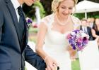 Gemeinsam die Hochzeitskerze entzünden