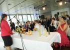 Herzliche-und-humorvolle-Atmosphaere-bei-der-Trauungszeremonie