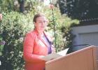 Rednerin Diana Albu-Lisson bei der Ansprache